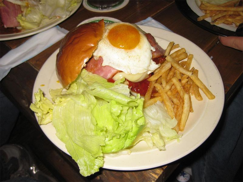 File:Takanosu Dixie burger.jpg